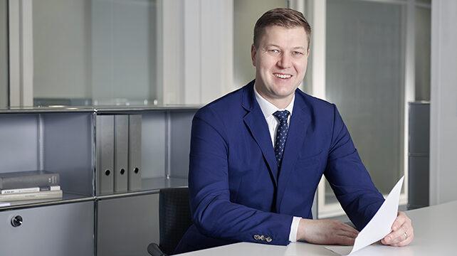 Simon Fricker, Reichlin Hess Rechtsanwälte, Steuerberater und Notare, Zug
